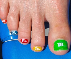 Google Image Result for http://data.whicdn.com/images/23748890/teen-actresses-and-models-nail-care-and-polish12_thumb.jpg
