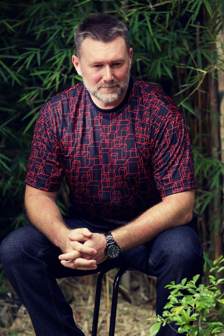 From our Red Infusion Collection - check it out on... the3bears.online -Tag a guy who would look good in one of these shirts and inspire them! the3bears.online New tropical collection out now. #plussizemensclothing #plussizeshirts #mensplussizefashion visit www.the3bears.online