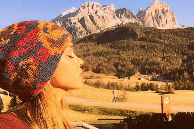 Gossip italiano: a Cortina c'è anche Marco Borriello, Belen Rodriguez si arrabbia e scrive...