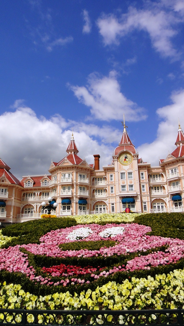 euroDisney, Paris in springtime 2012