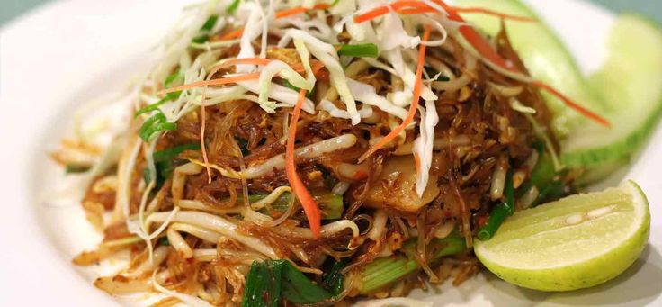 Beef Pad Thai recipe: An authentic Pad Thai recipe depends on the holy trinity of chillies, basil and fish sauce.  This recipe uses beef but it is easy to adapt to make Chicken Pad Thai and Prawn Pad Thai.
