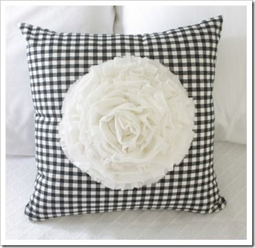 DIY dahlia pillow