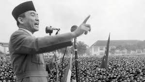 De Indonesiërs wouden een onafhankelijk land zijn, Maar de Nederlands waren het daar niet mee eens.