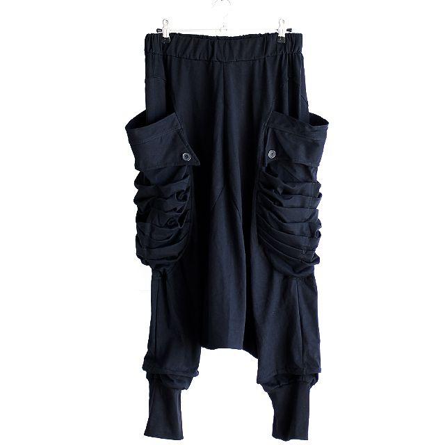 モード系ファッションの通販サイトalbino(アルビノ)です。こちらではアコーディオン風カーゴポケット付きサルエルパンツに関  して紹介しております。他にもメンズ、レディース共にお使い頂けるモード系ファッションアイテムをご用意しております。