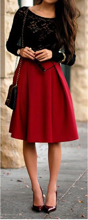 Lace + midi. Classic red & black. So beautiful and elegant. Love the romantic gold accents too. Also, with a faux fur collar or vest for the cold - this would be the perfect Anastasia/Romanov-inspired outfit for winter with a dark wine red lipstick!