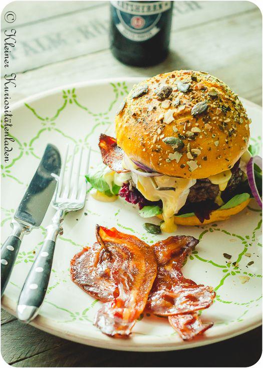 Herbstburger mit Rote Bete Relish, kandiertem Speck und Camembert   Kleiner Kuriositätenladen