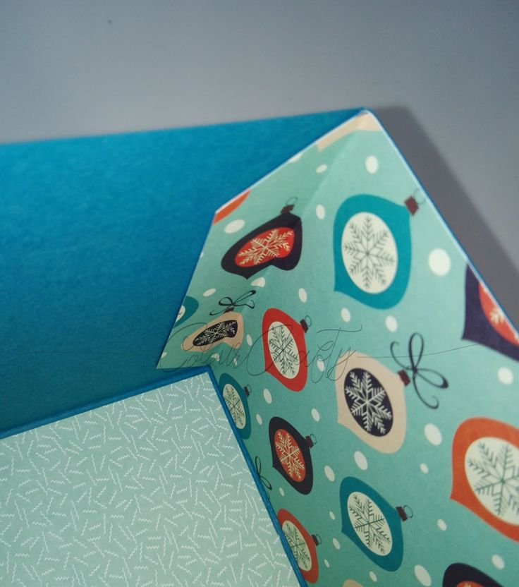 Explosionsboxen zu basteln kann ein riesen Spaß sein! Meine absoluten Lieblinge bei den Explosionsboxen sind die, bei denen zwei Wänden beim öffnen der Box stehen bleiben, wie zum Beispiel diese h…