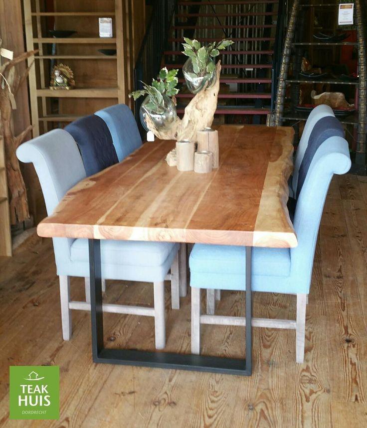 Boomstam tafel Live Edge  Live Edge tafel met massief blad van 6cm dik mango hout . Keuze uit houten poot, mat zwarte poot of rvs poot,