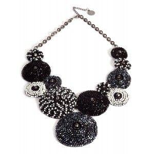 Collar redondos crochet Lavish en negro gris y blanco www.sanci.es