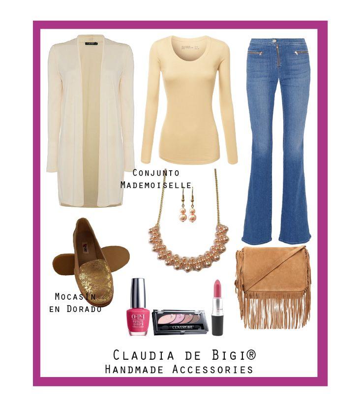 Jeans, camiseta, saco largo, cartera con flecos, mocasines dorados, collar y aros de perlas Swarovski. Otoño 2016