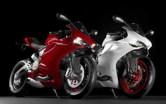 Looks like the Ducati #Panigale 899 is official. We're going to try VERY hard to get this on the show floor as soon as possible.