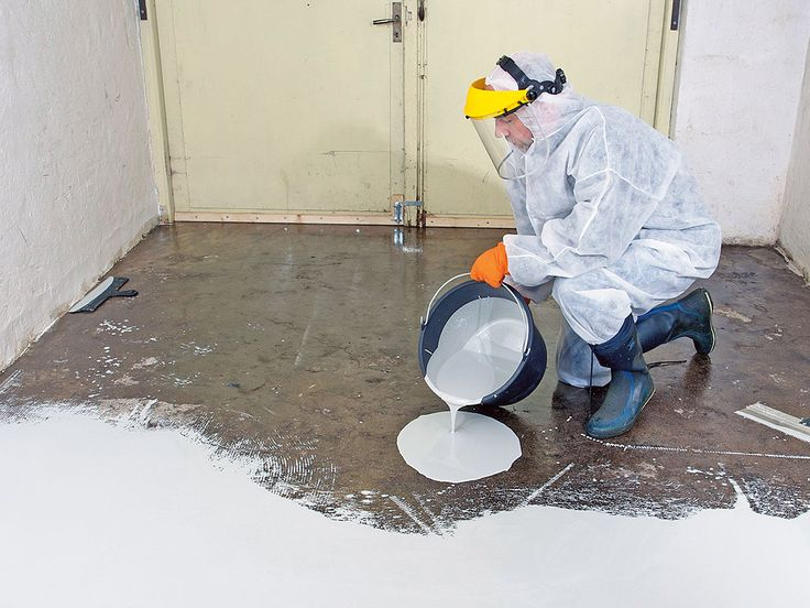 Epoxy i industrien kan medføre kronisk sygdom. Men hvor farligt er det at male sit eget kældergulv med epoxy-maling?