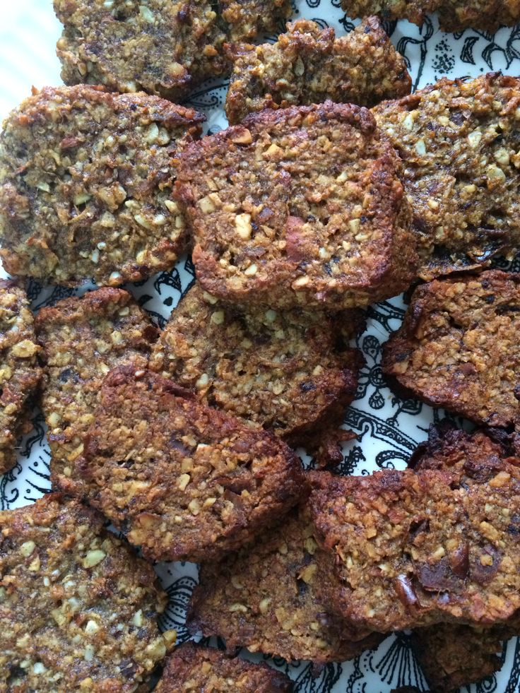 Date, almond and lemon cookies. (Sugar free, gluten free, vegan) * 1/2 cup of rolled quinoa flakes, coconut, almonds. Process.  * boil 1/2 dates with 3 tsp coconut oil. When cool mix with dry ingredients. *mix in rind of 1/2 lemon and juice of 1 lemon *set in fridge for 1/2 hour then cook at 170 degrees for 15-20 mins.  Delicious, satisfying and healthy!