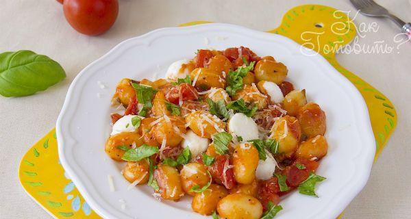 Ньокки с соусом из помидор