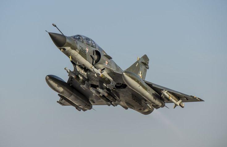 """French 'Armée de l'Air'_""""Mirage 2000 N : Décollage de Jordanie pour une mission de bombardement sur l'Irak (Opération 'Chammal')"""