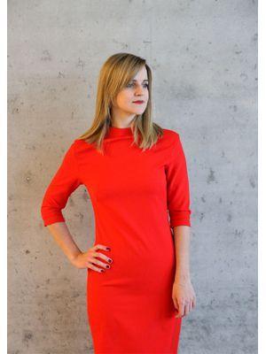 Być może czerwony kolor sukienki na Walentynki to banał, ale za to jaki kobiecy :)