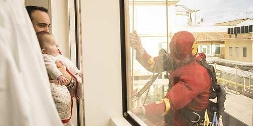 Cronaca: I #supereroi #scendono dal cielo per regalare un sorriso ai bambini malati dell'Ospedale Bambin Ge... (link: http://ift.tt/2nn49Ow )