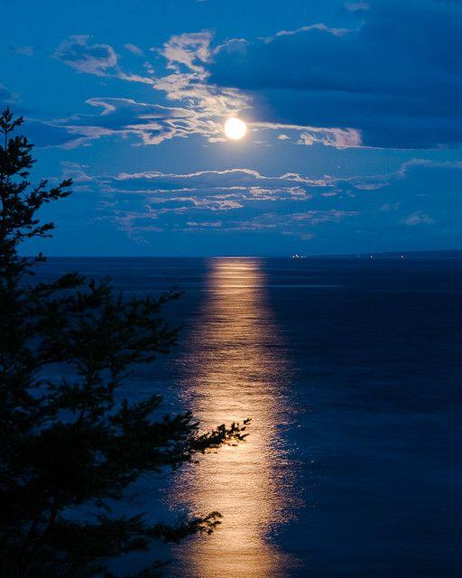 Amazing Moonrise, Quadra Island, British Columbia by tpuerzer on Flickr.
