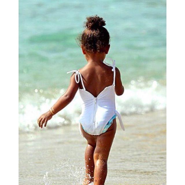Strutting like her momma ••••••••••••••••••••••••••••••••••••••••••••••••••••••••••••••••••@kimkardashian #North #West #NorthWest #Kardashian #KimKardashian #Kimye #Kanye #KanyeWest #KUWTK #Dash #Doll #DashDoll #Love #Yeezus  via ✨ @padgram ✨(http://dl.padgram.com)