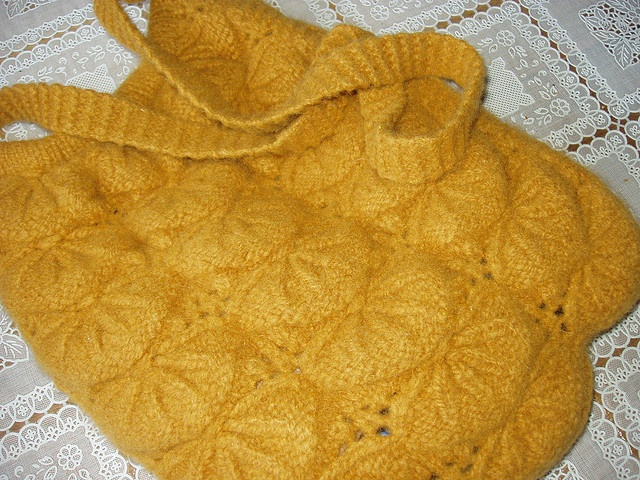 Ravelry Counterpane Bedspread Knit White Natural Ecru Cream by ditogdut, via Flickr