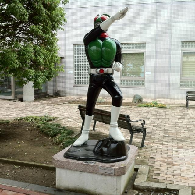 仮面ライダー像 石巻市