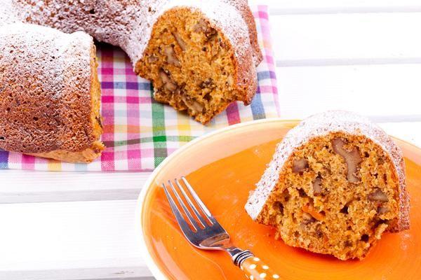 Κέικ νηστίσιμο με καρότο και μήλο. Ένα κέικ φρούτων τέλειο...