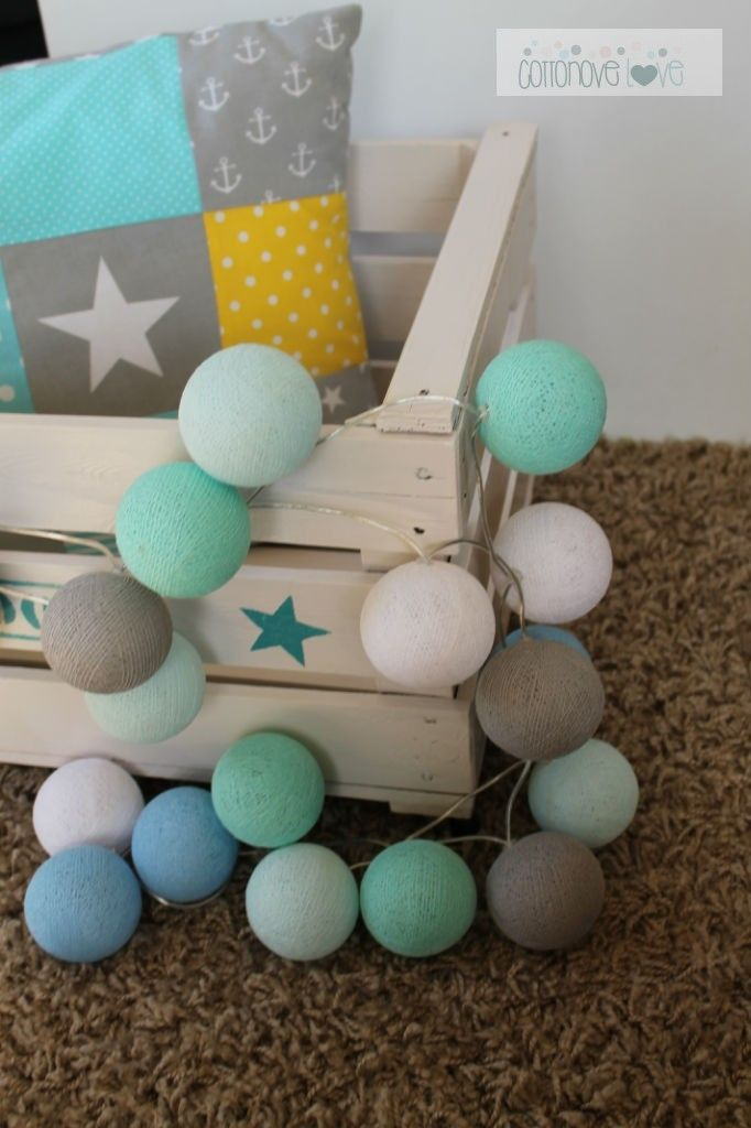 cotton ball lights MINT pastel #kantenklaargeleverd #wemakeitforyou http://www.studiozomooi.nl/interieur/mag-het-licht-aan/lichtslingers/