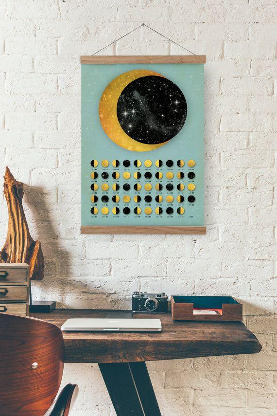 Goldener Mond / nur Mond Kalender 2017 - A3, A3 + Größe / home Dekor  Gold Ring stellt Vollmond - wenn der Mond ganz hell ist, Schwarzer Kreis stellt überhaupt New Moon - dunkel in der Regel nicht sichtbar. Andere zwei Symbole sind 1. Quartal und 3. Quartal. Wir passen die Monde nach den Zustand, den, dem Sie gekommen sind. Sehen Sie im Shop hat Mondphasen berechnet unter Verwendung der Ortszeit in New York.  * Illustration  * Dieser Druck ist in der Größe gedruckt: A3 - 29.7 x 42,0 cm, 11,7…