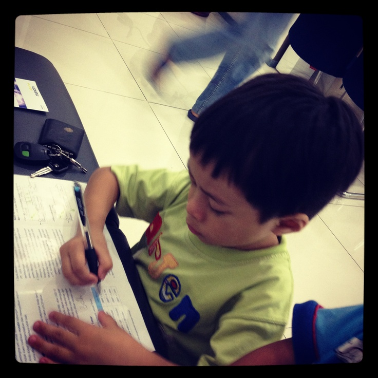 Arjen belajar menulis