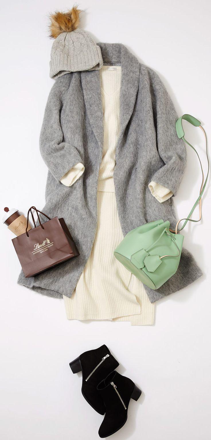"""ホワイトコーデに合うパステルグリーンのバッグ! ルミネ北千住のショップから春を待つ気分を色に込めて、パステルのアイテムをセレクト&コーディネート! """"上品""""で""""こなれた""""スタイルが得意の人気スタイリスト山崎ジュンさんが「すぐマネできる」テクニックをお伝えします。"""