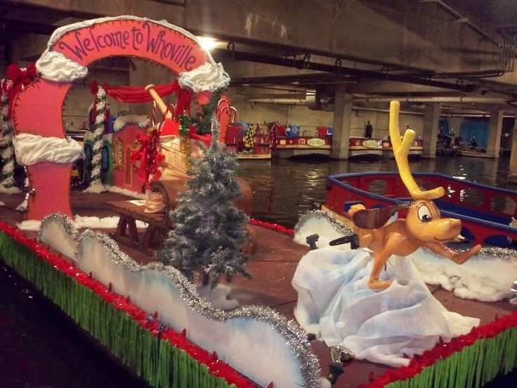 Lighted Christmas Floats | Paseo Del Rio Getting Ready For Annual Christmas River Parade