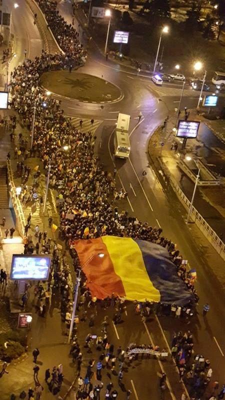 Sibienii și sutele de mii de români care ies seară de seară să protesteze în stradă au obținut sâmbătă o victorie. Ceea ce vineri părea imposibil, când președintele Liviu Dragnea...