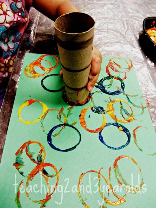 http://teaching2and3yearolds.blogspot.com/2011/10/circles-from-tubes.html