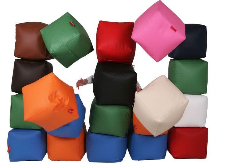 Pufa kostka kwadratowa 40x40 cm dla dzieci do pokoju jako siedzisko, zamiast krzesła, czy dużego fotela. Lekka i łatwa do przechowywania pod stołem.   #kostka #kwadrat #pufa #fotel #dziecko #pokój #siedzisko #siedzieć #krzesło