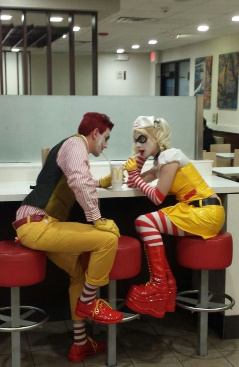 Guys this isn't fucking Harley Quinn.  It's fucking Ronald McDonald and his gf Ronnie McDonnie