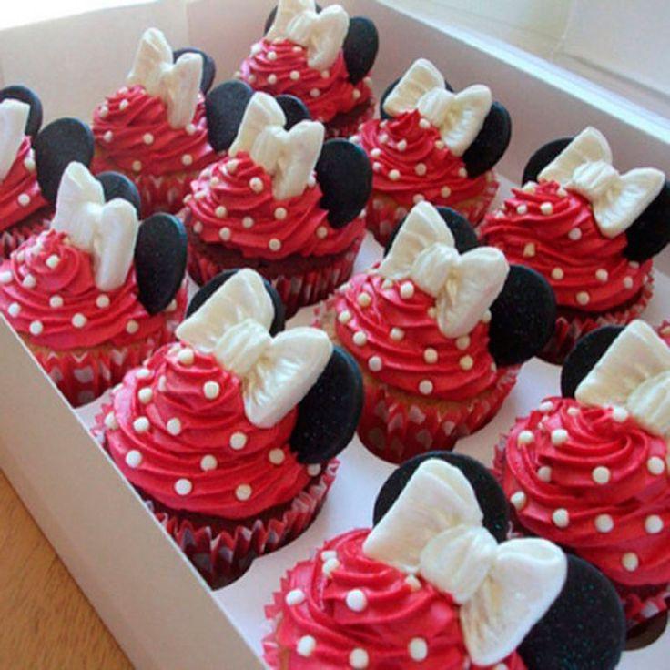 Se está procurando ideias para as festas infantis da Minnie Mouse, aqui você encontrará, roupas da Minnie, bolos da Minnie, lembrancinhas e muito mais.
