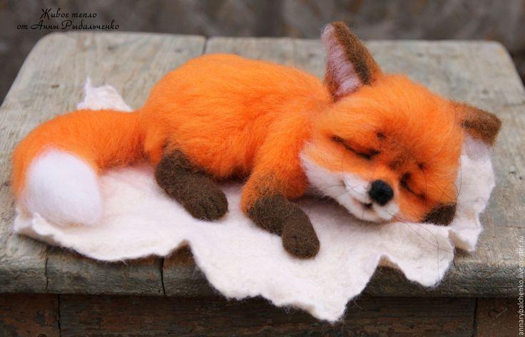Купить Лисичка Сонечка - рыжий, оранжевый, лиса игрушка, лиса из шерсти, лиса, лисенок, лисичка