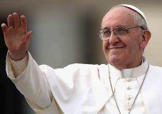 """La Iglesia no puede """"interferir"""" con los homosexuales. ¿Nace una nueva polémica en la #Iglesia? Enterate qué más dijo el Papa haciendo click acá www.minutouno.com/c299710"""