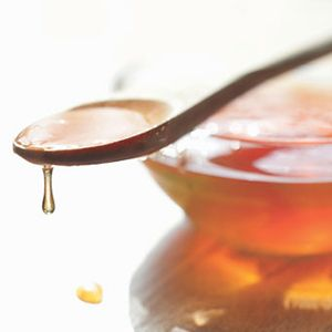3 Natural Soothers for Sore, Scratchy Throats (Rodale via MSN Healthy Living)