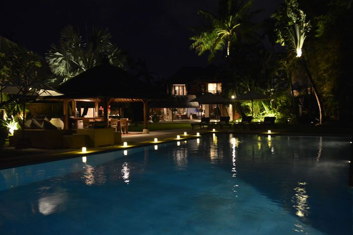 Lovely relaxing at night around the pool