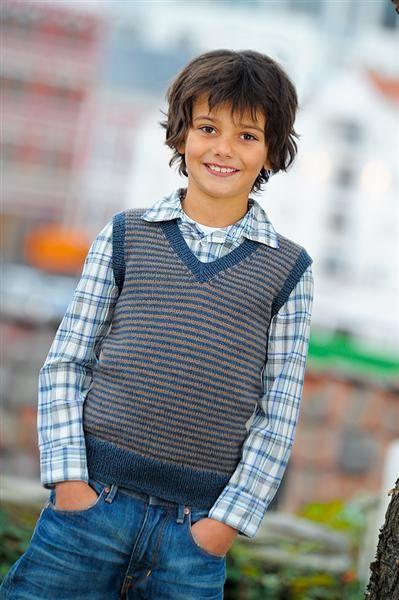 Sandnes Garn. Hefte: 1109 Mix Barn. Nr 9 - Stripet vest til gutt. Str 2 - 12 år.