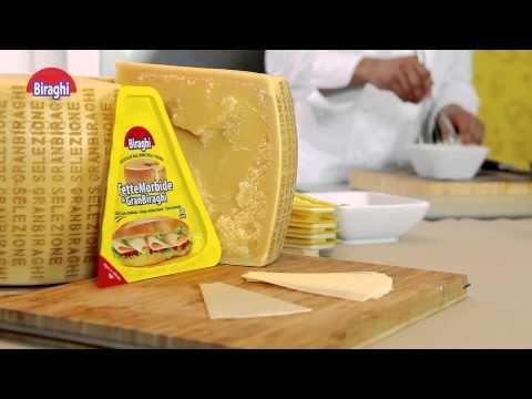 Goditi il dolce sapore di pere e cioccolato nel contrasto salato con gli strati al formaggio. Una delizia per il palato a cui pochi possono resistere.