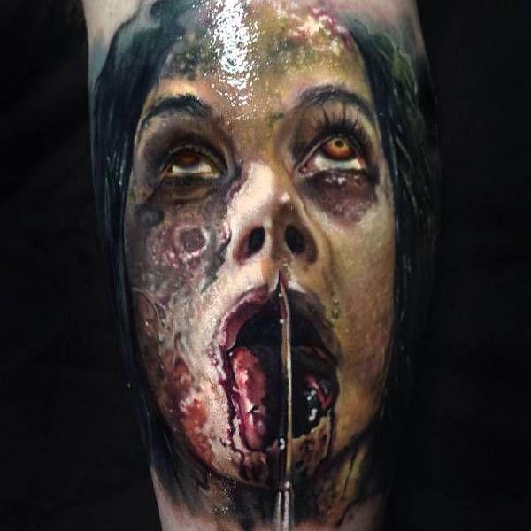 . Das Wort Horror stammt vom lateinischen Wort horrere ab (die Haare hochstehen lassen, zittern). Horror-Vorlagen schocken oder verunsichern den Betrachter und löst oftmals Gefühle von starker Angst und Abscheu aus. Tattoo-Horror-Motive stellen oft Fratzen, Monster oder Dämonen dar. Nach den anf�…