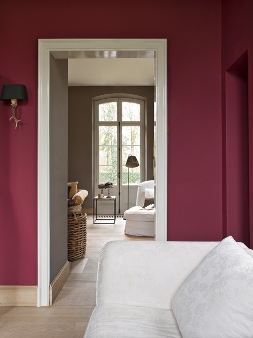 We love the cranberry wall colour and how it flows into a rich taupe room!