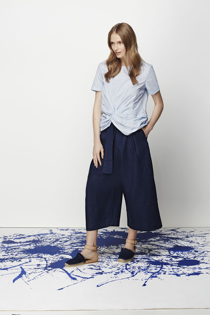 Style your new-season shirt with relaxed pants or a maxi skirt.