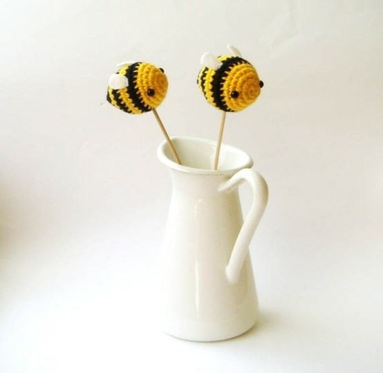 bee beeIdeas, Adorable Bees, Crochet Bees, Amigurumi Bees, Wedding Cakes, Bumble Bees, Bees Bees, Crafts, Cake Toppers