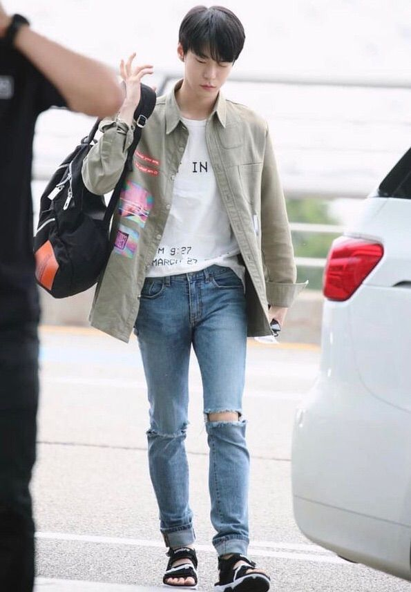 Id Line Kim Doyoung Fashion Idol Kpop Outfits Fashion