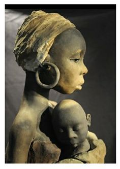 African figurine by Michele Ludwiczak. #plocomiPottery