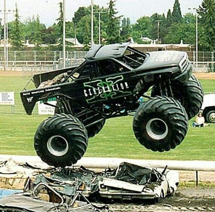 316 best images about monster trucks on pinterest giant. Black Bedroom Furniture Sets. Home Design Ideas