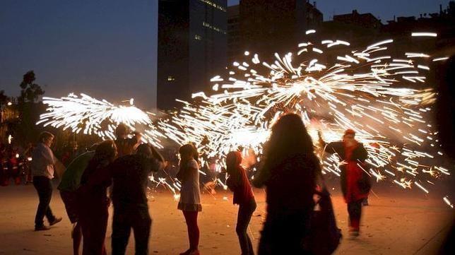 Tres citas imprescindibles con la noche de San Juan en España  http://w.abc.es/s8za1k
